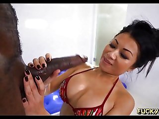 Sexy asian worships Black guy