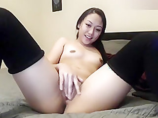 Tightasian20: Finger cumshow from a pretty asian girl